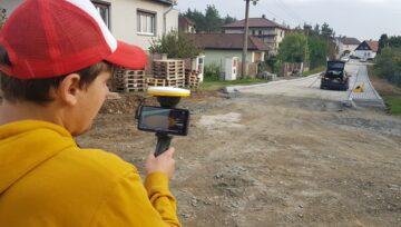 Ukázka využití MIX reality GNSS roveru Trimble na stavbě rekonstrukce ulice